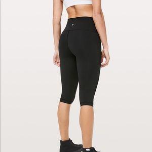 Lululemon Black Capri Crop Leggings - Brand New